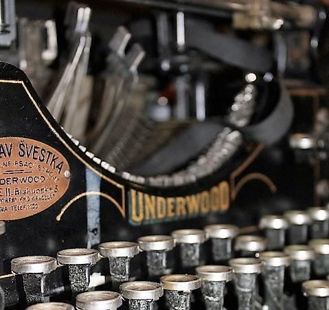 typewriter-210640_960_720