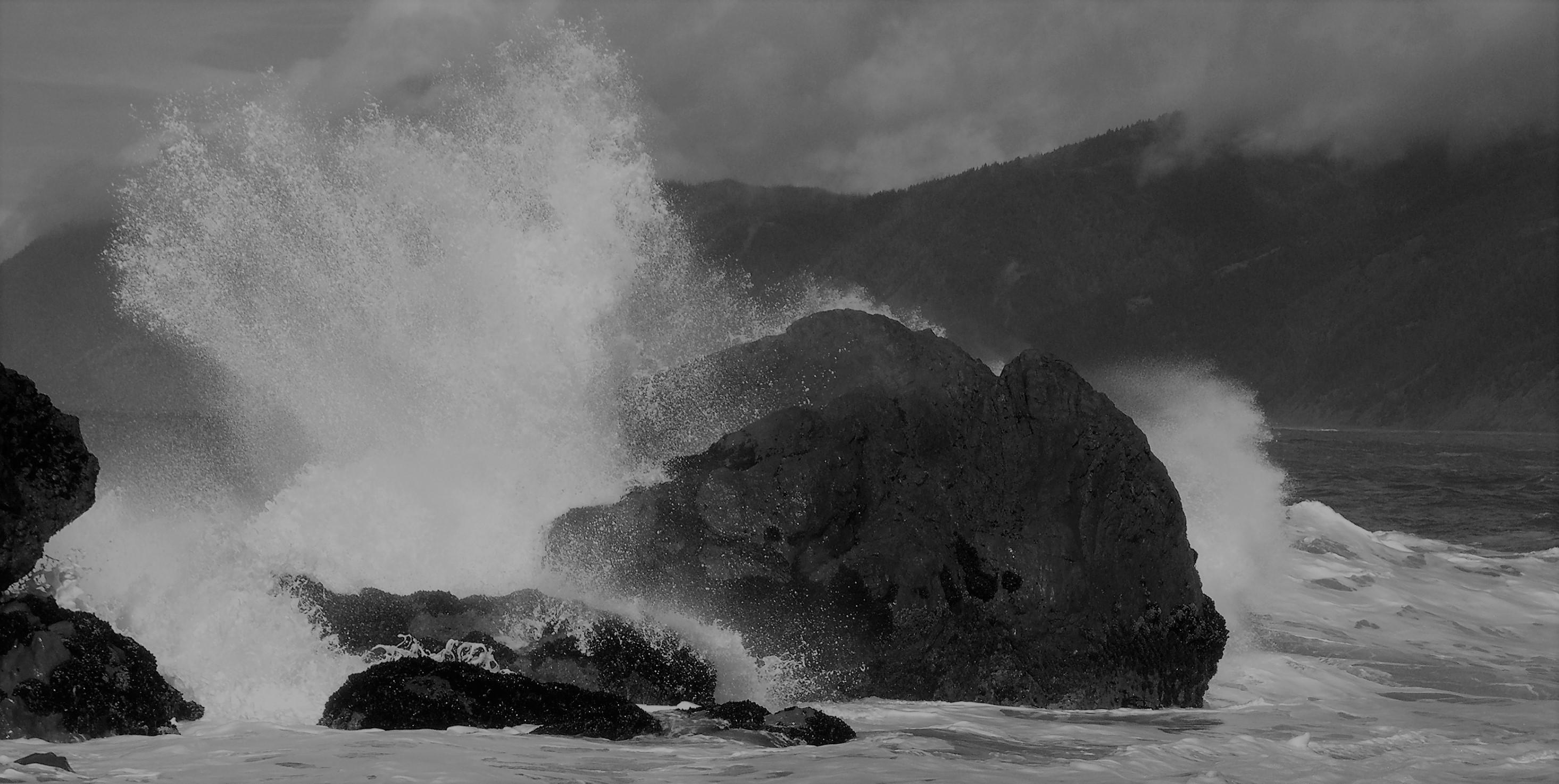 waves-crashing-between-rocks-6